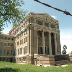 Plans to develop old Nueces County Courthouse fall through