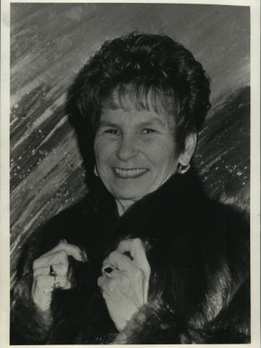 1992 Press Photo Betty Brinn donated to Boys & Girls Club of Greater Milwaukee