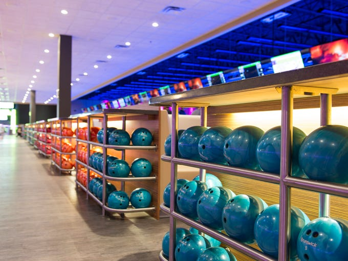 Main Event Entertainment, a bowling-anchored family