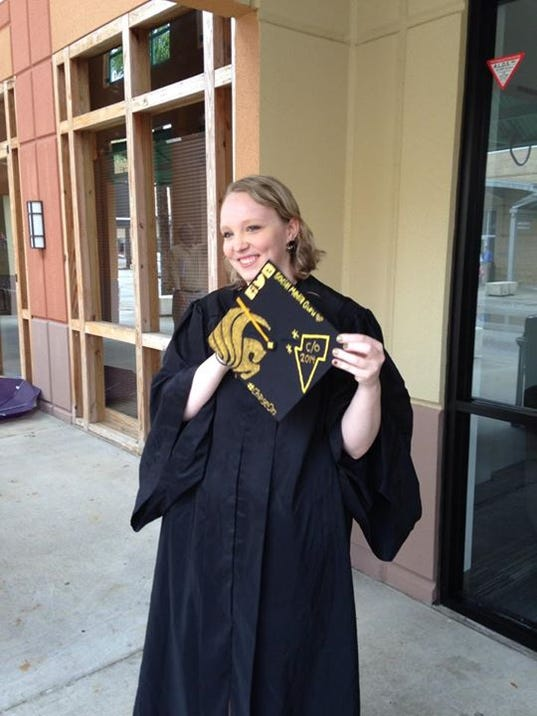 UCF students pay more for grad gown rentals