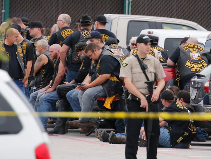 9 dead in biker gang gunfight at Texas restaurant