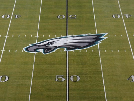 USP NFL: OAKLAND RAIDERS AT PHILADELPHIA EAGLES S FBN PHI OAK USA PA