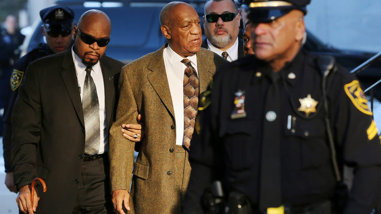 Bill Cosby, leaves Courtroom A for a lunch break during a pre-trail hearing in his sexual assault case at the Montgomery County Courthouse February 2, in Norristown, Pennsylvania. (Photo by Clem Murray - Pool/Getty Images)