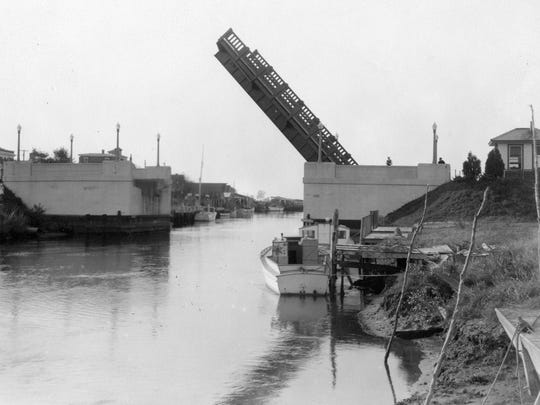 The canal bridge in Lewes in the 1930s.