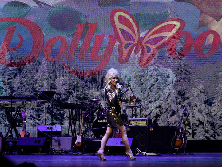 """Dolly Parton helped launch Dollywood's """"Season of Showstoppers"""""""