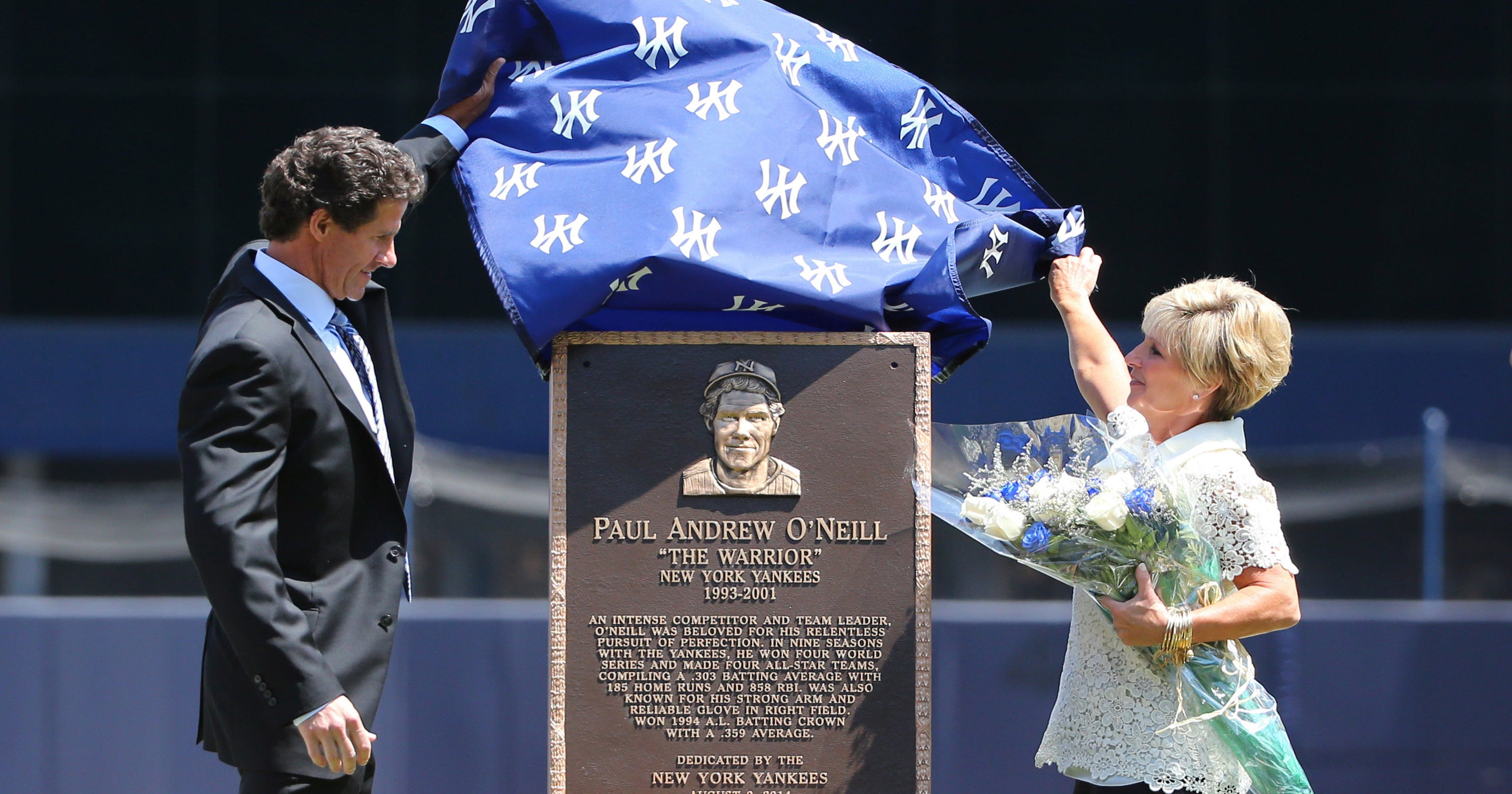 Yankees honor O'Neill with Monument Park plaque