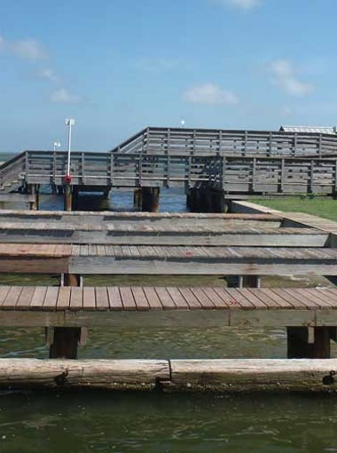 This San Patricio Navigation District pier in Aransas Pass has a nearby pavilion, restrooms, fish-cleaning station and restaurant.