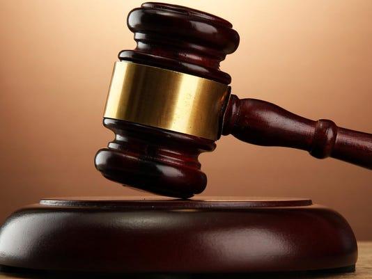 court-hammer_thumb.jpg