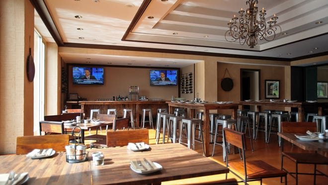 Among Renaissance Indian Wells Resort & Spa's recent renovations is the transformation of its Sirocco restaurant into the new Sirocco Pizza Company decorated in shades of woodgrain.