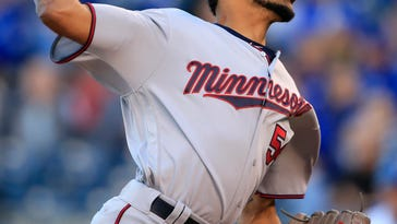 Twins' 102 losses matches most since move to Minnesota
