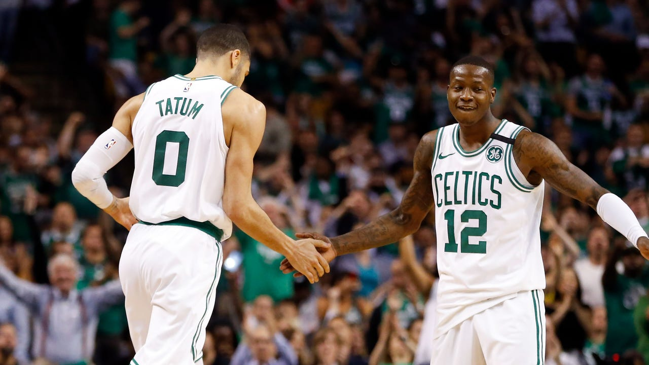 SportsPulse: USA TODAY Sports' Jeff Zillgitt breaks down Game 5 of the Eastern Conference finals, where the Celtics rolled to take a 3-2 lead on the Cavaliers and set up a potential closeout game in Cleveland.