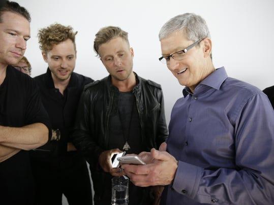 APTOPIX Apple