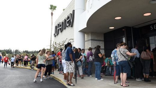 J.C. Penney kicks off its Super Saturday sale with a coupon giveaway.