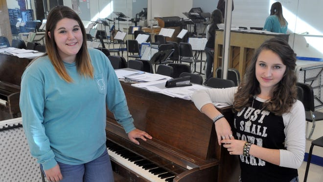 Lonnie Parry, left, and Terra Parrott are preparing to perform in New York City in February.