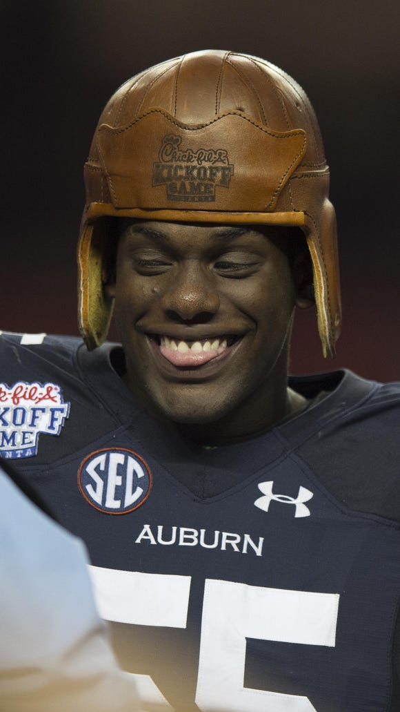 Auburn's Carl Lawson makes an instant impact on Tigers' defense.