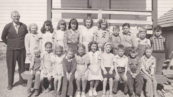 Students at Glen Allen (Hake's) one-room school, September 1947