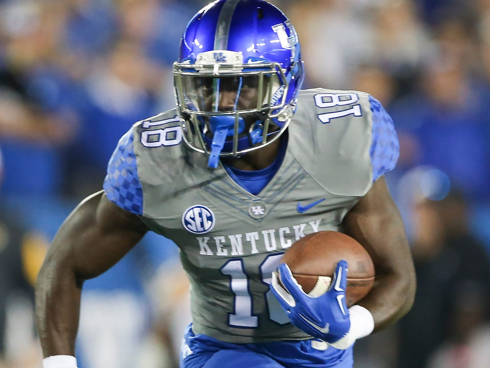 Kentucky running back Stanley Williams runs the ball during the first half of an NCAA college football game against Missouri, Saturday, Sept. 26, 2015, in Lexington, Ky. Kentucky won the game 21-13.