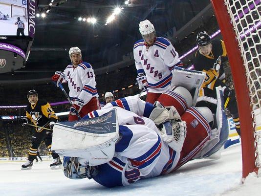 New York Rangers v Pittsburgh Penguins - Game One
