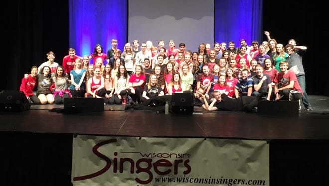 The Wisconsin Singers will perform on Sunday in Neenah.