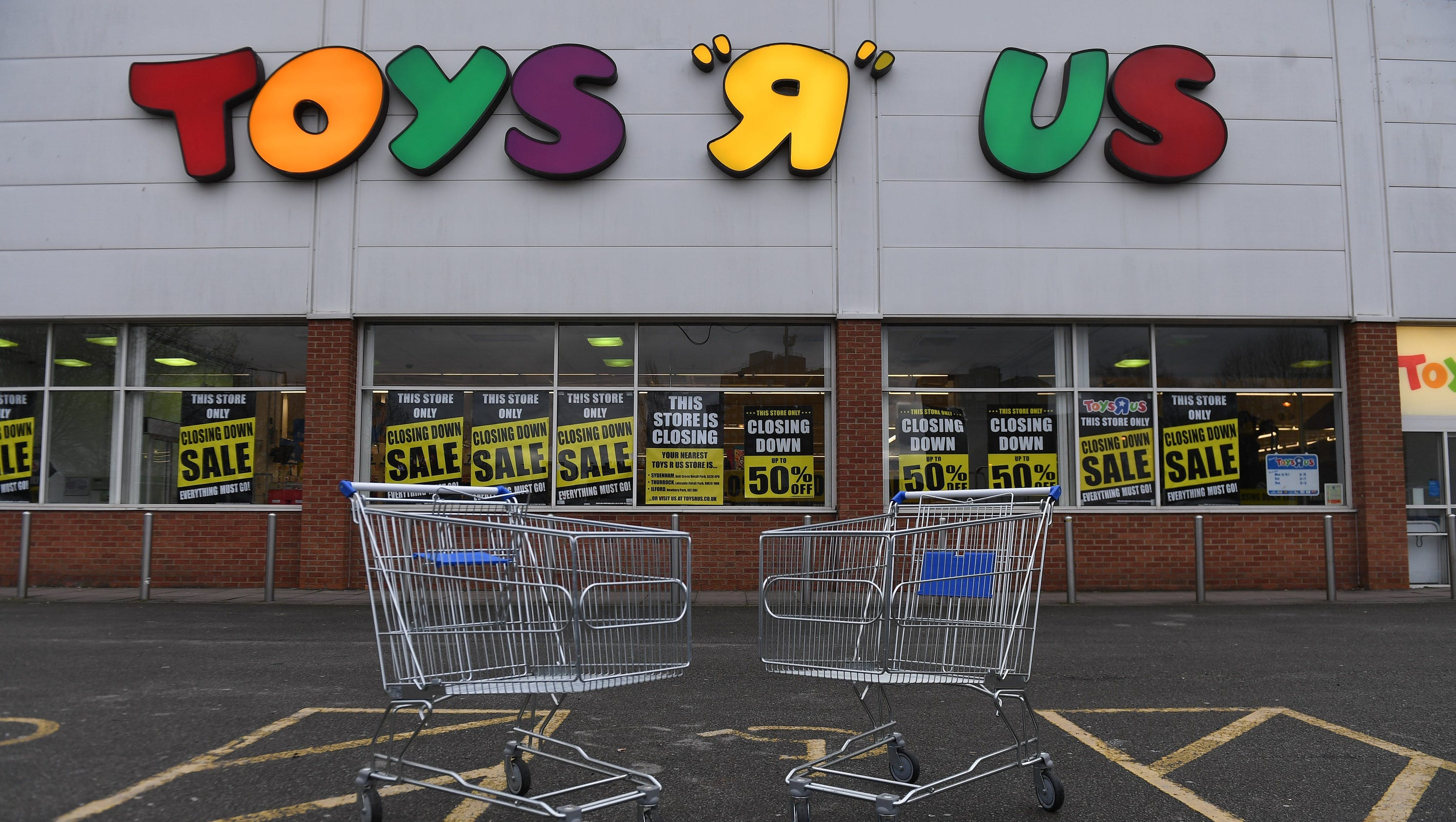 1af9d6ac3ef LONDON – The British arm of Toys R Us has gone into insolvency  administration