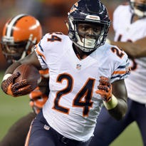 Bears rookie Jordan Howard should get a significant number of touches with starter Jeremy Langford injured.
