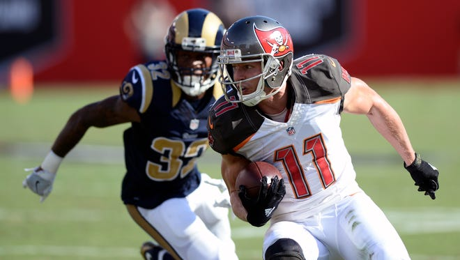 Tampa Bay Buccaneers wide receiver Adam Humphries (11) cuts in front of Los Angeles Rams cornerback Troy Hill.
