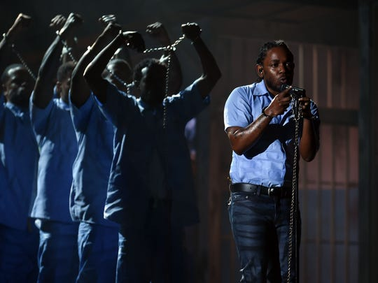 Kendrick Lamar staged a prison setting at the Grammy