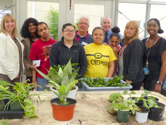 Center for Lifelong Learning,~ students, Greenhouse