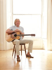 -Justin Hayward-Photocredit-Marcus Way.jpg_20140110 (2).jpg