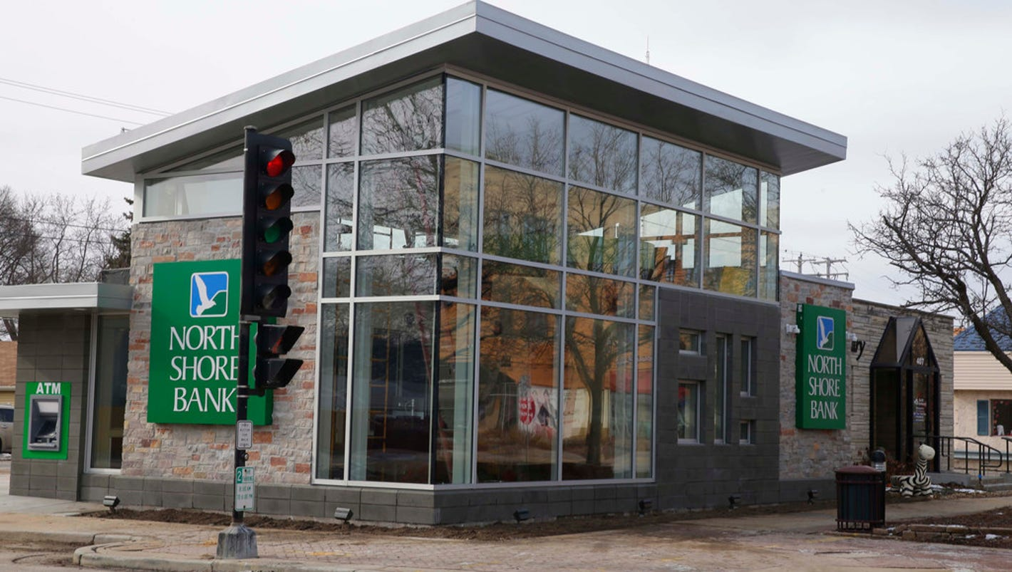North Shore Bank ditches 'fortresses' in favor of small, open-design branches with new technology