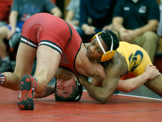 162 Lb division - Spencerport's Dexter Craig defeated