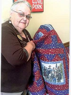 Paralee Rea of Tecumseh, Mo., is the winner of a quilt fundraiser by the Caroline Meriwether Goodlett Chapter of the United Daughters of the Confederacy. The quilt was made by Janice Hamann, president of the Chapter who designated proceeds to be used for a fall scholarship for a college student who has an ancestor who fought in the Civil War.