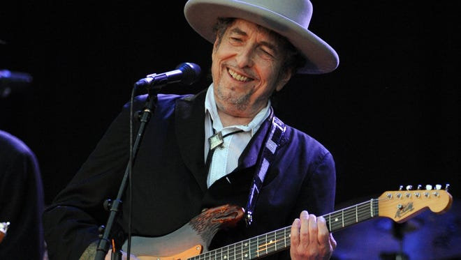 Bob Dylan will perform on June 25 at the Farm Bureau Insurance Lawn at White River State Park.
