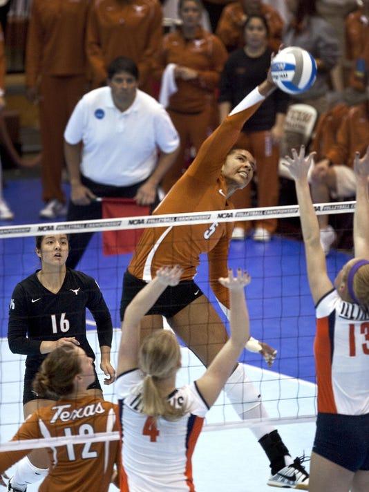 NCAA Illinois Texas Volleyball.JPEG-005e1