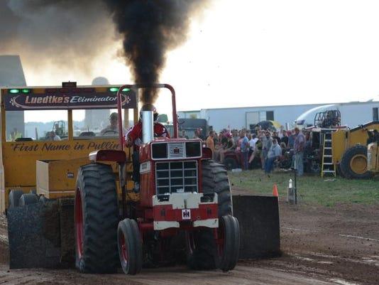 KEW 0621 FFA Alumni Tractor Pull.jpg