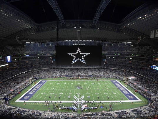 NFL: Washington Redskins at Dallas Cowboys