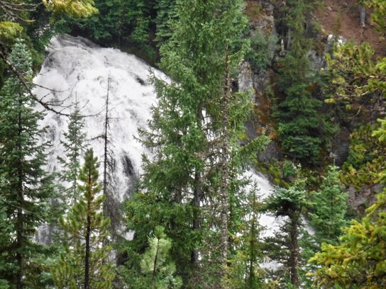 Chush Falls -- view from viewpoint at trails end