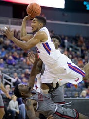"""Evansville's Duane """"Boo"""" Gibson draws the blocking"""