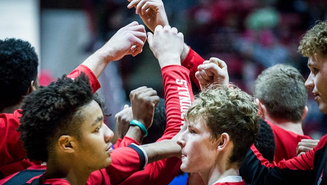 Ball State huddles up before taking on Buffalo at Worthen Arena Saturday, Jan. 6, 2017.