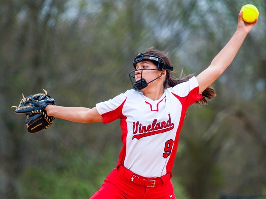 636282241274464080-041917jmo-VinelandSoftball-4799.jpg