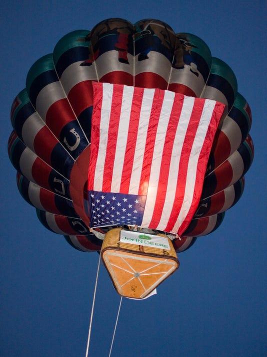 635888366828331323-Flag-balloon.jpg