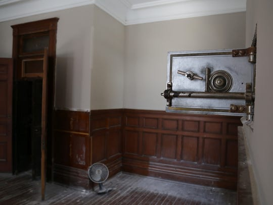 The safe that was opened by the warden in the Shawshank