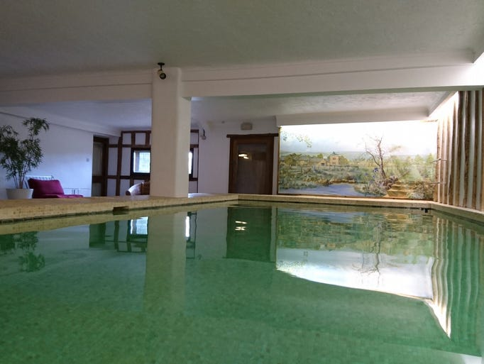 Cottages for rent in the u k - Indoor swimming pool temperature regulations ...