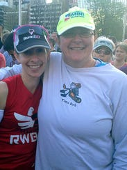 Kelli Hoffman, left, and her sister Shannon Murray,