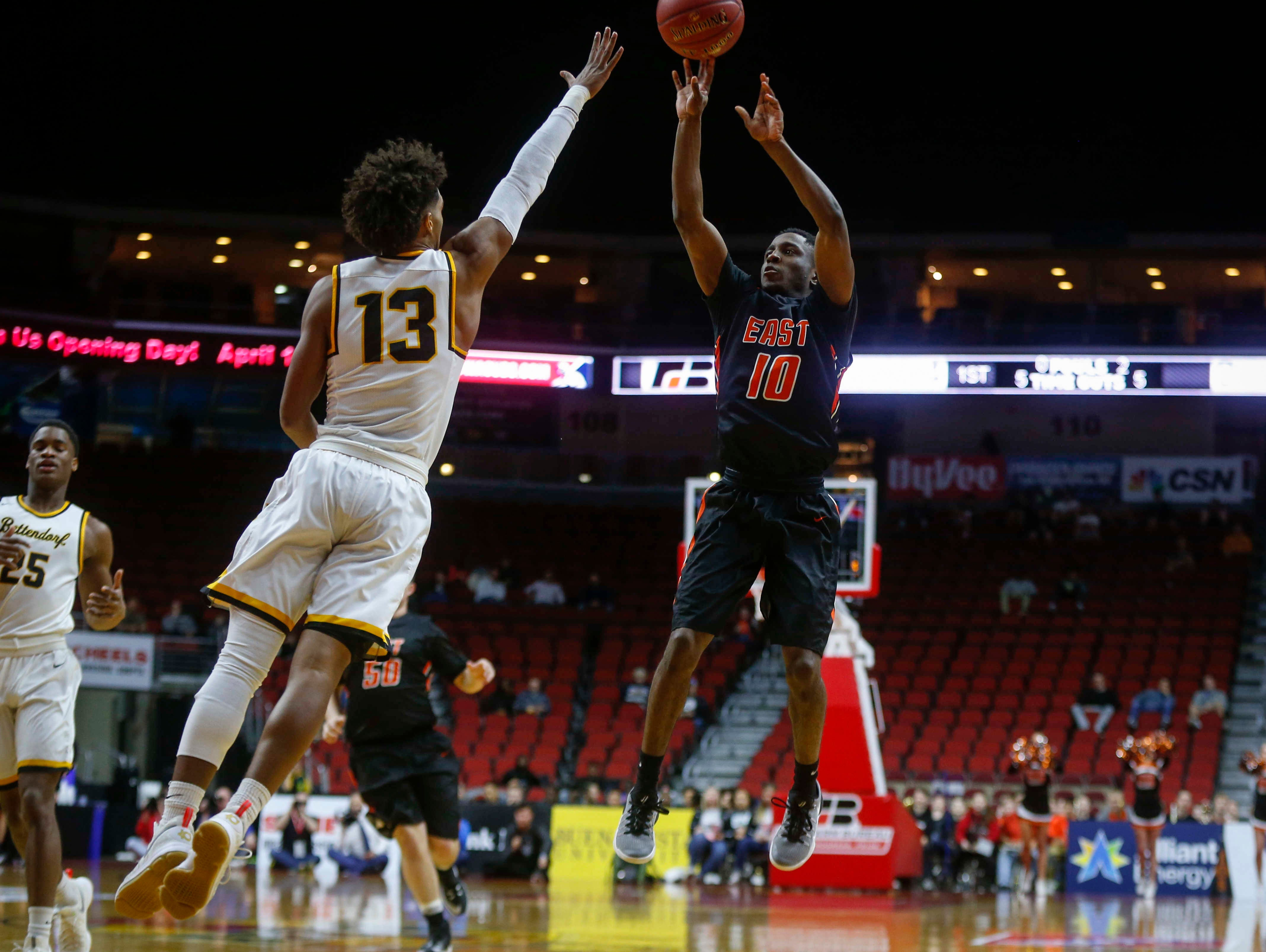 Sioux City East senior Jailen Billings hits a shot against Bettendorf during the Iowa High School state basketball tournament at Wells Fargo Arena in Des Moines on Wednesday, March 8, 2017.