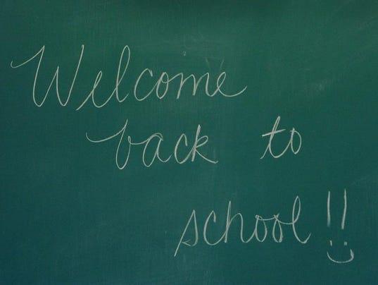 -schoolchalkboardwelcomebackips20.jpg20130924.jpg