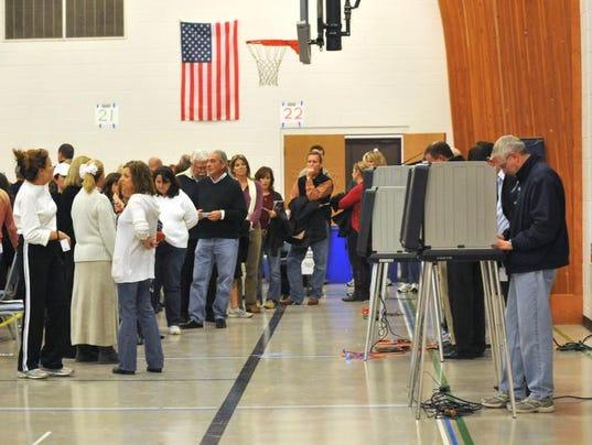 -voting02.190819.jpg20121106.jpg