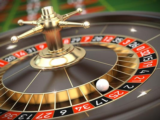 Image of the roulette table in the casino