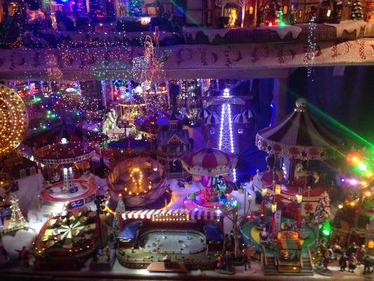 Arcadia Christmas house