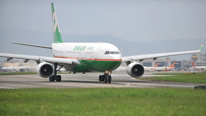 A passenger aircraft of Taiwan's EVA Airways in 2010.